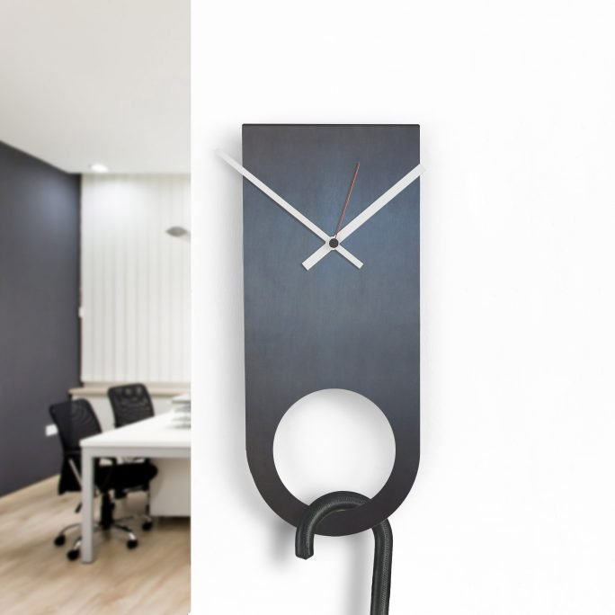 Design Wall Clock Hole